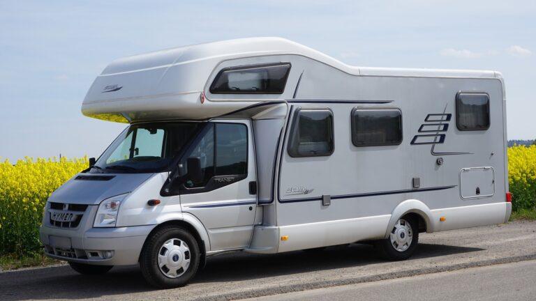 muffige Caravan und Wohnwagen wieder frisch